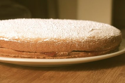 Jam-Filled Browned Butter Cake 2