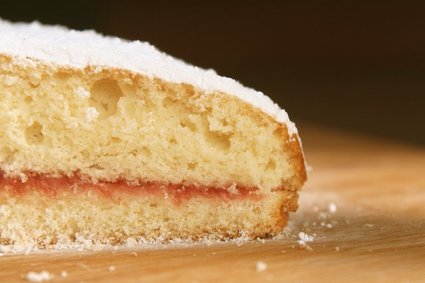 Jam-Filled Browned Butter Cake 4