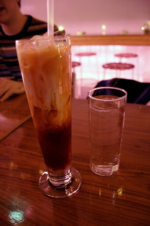 20041129_peep_dinner_thai_iced_tea