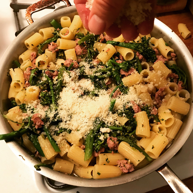 Introvert S Rigatoni With Sausage And Broccolini The Amateur Gourmet